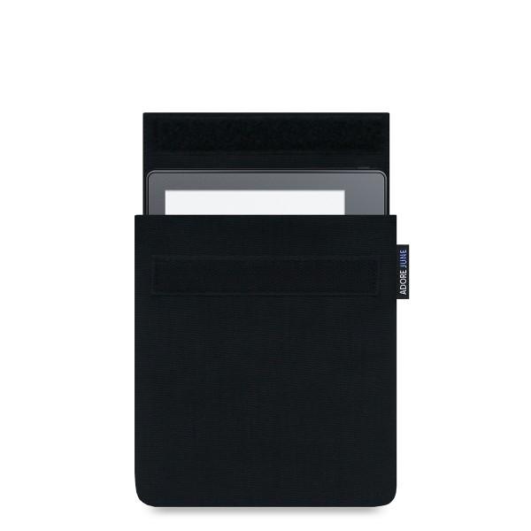 Das Bild zeigt die Vorderseite von Classic Hülle für Kindle Oasis 2016 in Farbe Schwarz; Zur Veranschaulichung wird ebenfalls dargestellt, wie das kompatible Gerät in dieser Tasche aussieht