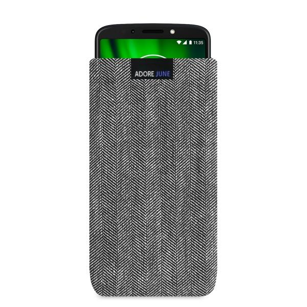 Das Bild zeigt die Vorderseite von Business Tasche für Motorola Moto G6 Play in Farbe Grau / Schwarz; Zur Veranschaulichung wird ebenfalls dargestellt, wie das kompatible Gerät in dieser Tasche aussieht