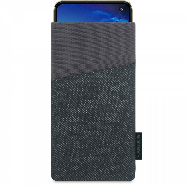 The picture shows the front of Clive Sleeve for Samsung Galaxy S10e in color Black / Grey; As an illustration, it also shows what the compatible device looks like in this bag