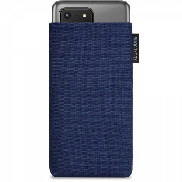 Das Bild zeigt die Vorderseite von Classic Tasche für Samsung Galaxy S20 Ultra in Farbe Mitternachts-Blau; Zur Veranschaulichung wird ebenfalls dargestellt, wie das kompatible Gerät in dieser Tasche aussieht