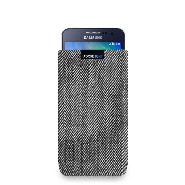 Das Bild zeigt die Vorderseite von Business Tasche für Samsung Galaxy A3 2014 in Farbe Grau / Schwarz; Zur Veranschaulichung wird ebenfalls dargestellt, wie das kompatible Gerät in dieser Tasche aussieht
