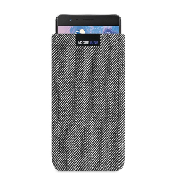 The picture shows the front of Business Sleeve for OnePlus 3 and OnePlus 3T in color Grey / Black; As an illustration, it also shows what the compatible device looks like in this bag
