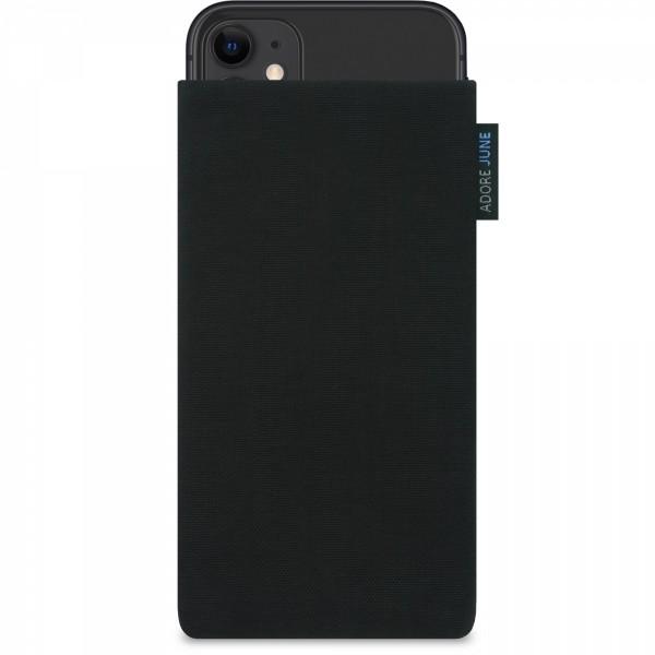 Das Bild zeigt die Vorderseite von Classic Tasche für Apple iPhone 11 in Farbe Schwarz; Zur Veranschaulichung wird ebenfalls dargestellt, wie das kompatible Gerät in dieser Tasche aussieht