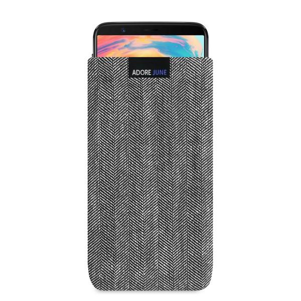 Das Bild zeigt die Vorderseite von Business Tasche für OnePlus 5T und OnePlus 6 in Farbe Grau / Schwarz; Zur Veranschaulichung wird ebenfalls dargestellt, wie das kompatible Gerät in dieser Tasche aussieht