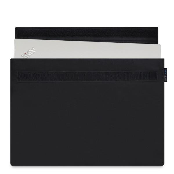 Das Bild zeigt die Vorderseite von Classic Hülle für Lenovo ThinkPad X1 Carbon in Farbe Schwarz; Zur Veranschaulichung wird ebenfalls dargestellt, wie das kompatible Gerät in dieser Tasche aussieht