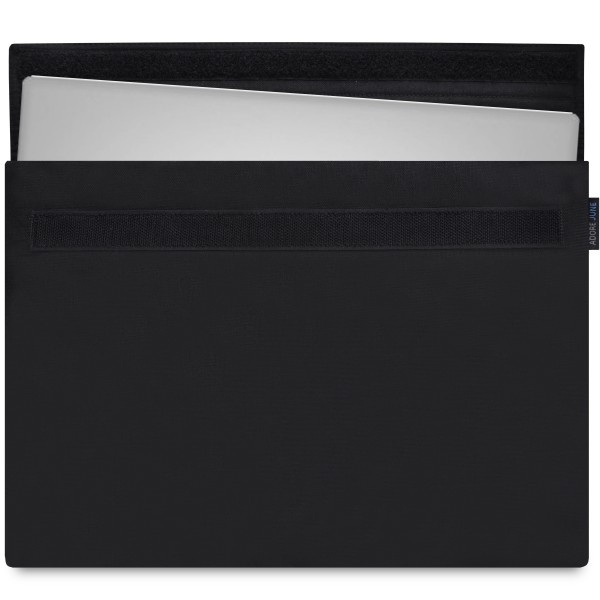 The picture shows the front of Classic Sleeve for Dell XPS 13 in color Black; As an illustration, it also shows what the compatible device looks like in this bag