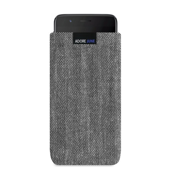The picture shows the front of Business Sleeve for OnePlus 5 in color Grey / Black; As an illustration, it also shows what the compatible device looks like in this bag