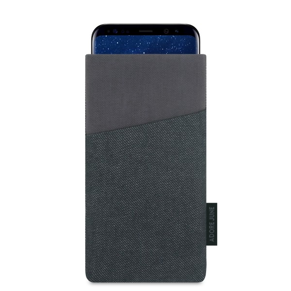 The picture shows the front of Clive Sleeve for Samsung Galaxy S8 in color Black / Grey; As an illustration, it also shows what the compatible device looks like in this bag