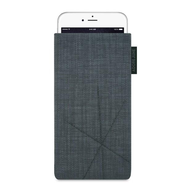 Das Bild zeigt die Vorderseite von Axis Tasche für Apple iPhone 6 6S und iPhone 7 mit Rückzugsfunktion in Farbe Dunkelgrau; Zur Veranschaulichung wird ebenfalls dargestellt, wie das kompatible Gerät in dieser Tasche aussieht