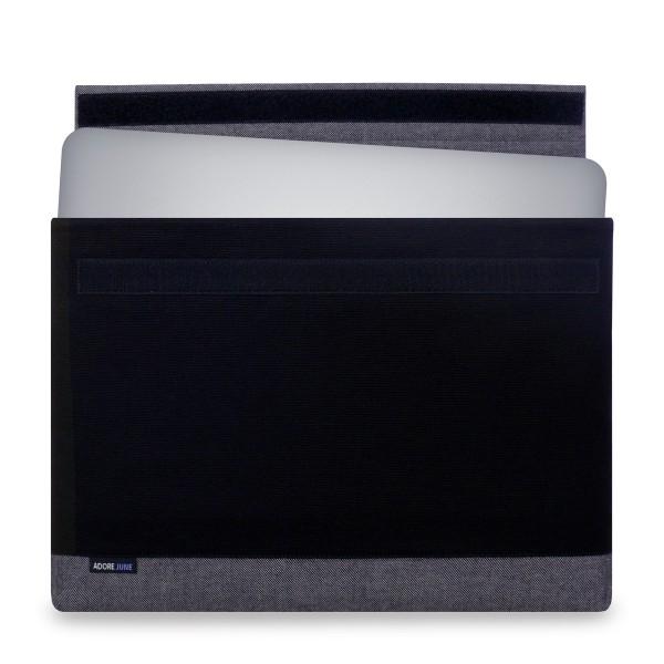 Das Bild zeigt die Vorderseite von Bold Hülle für Dell XPS 15 in Farbe Grau / Schwarz; Zur Veranschaulichung wird ebenfalls dargestellt, wie das kompatible Gerät in dieser Tasche aussieht