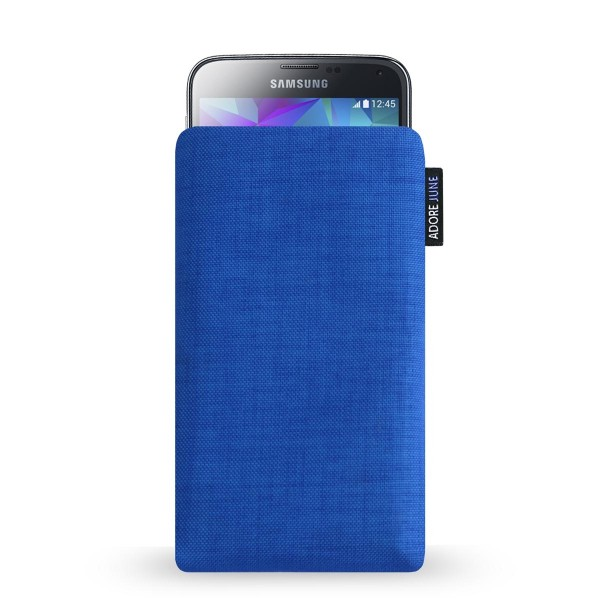 The picture shows the front of Classic Sleeve for Samsung Galaxy S5 in color Blue; As an illustration, it also shows what the compatible device looks like in this bag