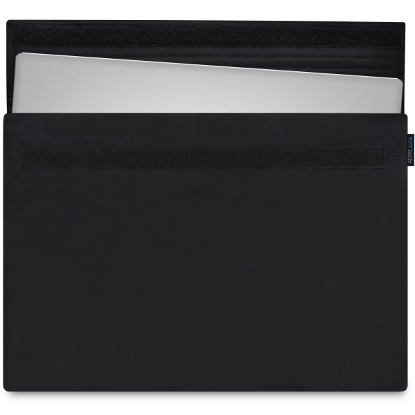 The picture shows the front of Classic Sleeve for Dell XPS 15 in color Black; As an illustration, it also shows what the compatible device looks like in this bag