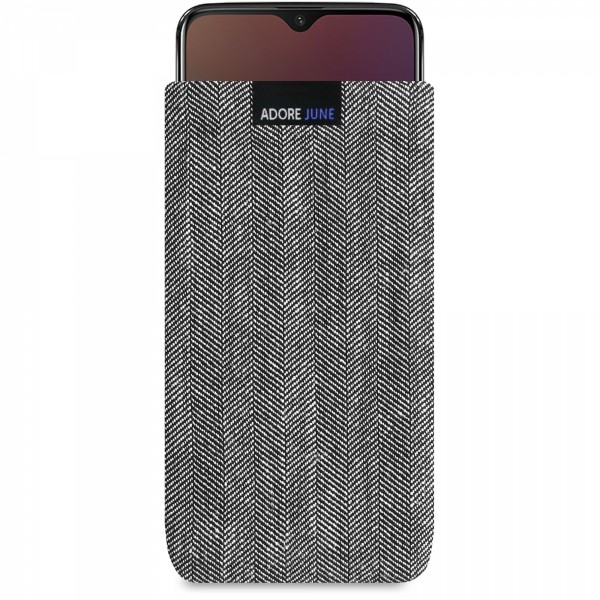The picture shows the front of Business Sleeve for OnePlus 6T and OnePlus 7 in color Grey / Black; As an illustration, it also shows what the compatible device looks like in this bag