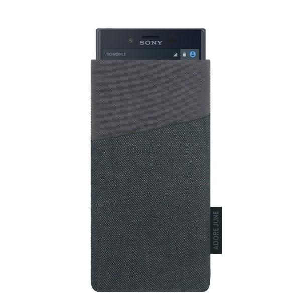Das Bild zeigt die Vorderseite von Clive Tasche für Sony Xperia X Compact in Farbe Schwarz / Grau; Zur Veranschaulichung wird ebenfalls dargestellt, wie das kompatible Gerät in dieser Tasche aussieht