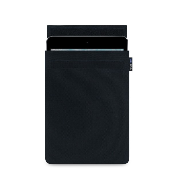 The picture shows the front of Classic Sleeve for Apple iPad mini 4 and mini 5 in color Black; As an illustration, it also shows what the compatible device looks like in this bag