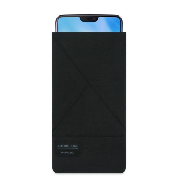 Das Bild zeigt die Vorderseite von Triangle Tasche für OnePlus 5T und OnePlus 6 in Farbe Schwarz; Zur Veranschaulichung wird ebenfalls dargestellt, wie das kompatible Gerät in dieser Tasche aussieht