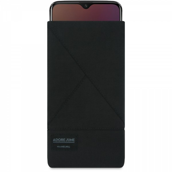 The picture shows the front of Triangle Sleeve for OnePlus 6T And OnePlus 7 in color Black; As an illustration, it also shows what the compatible device looks like in this bag