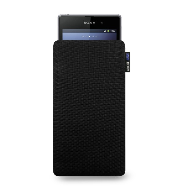 The picture shows the front of Classic Sleeve for Sony Xperia Z1 in color Black; As an illustration, it also shows what the compatible device looks like in this bag