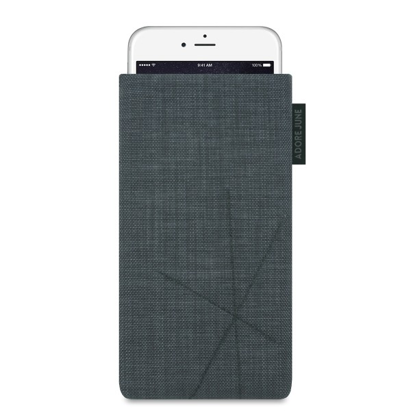 The picture shows the front of Axis Sleeve for Apple iPhone 6 Plus 6S Plus and iPhone 7 Plus with Retract Function in color Dark Grey; As an illustration, it also shows what the compatible device looks like in this bag