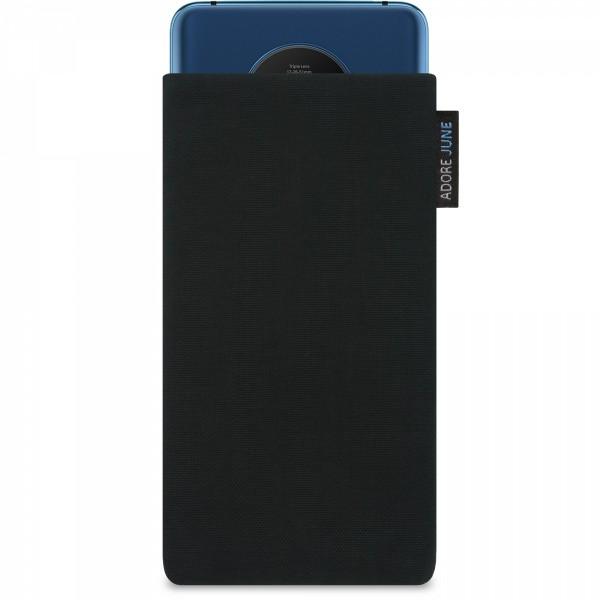 Das Bild zeigt die Vorderseite von Classic Tasche für OnePlus 7T in Farbe Schwarz; Zur Veranschaulichung wird ebenfalls dargestellt, wie das kompatible Gerät in dieser Tasche aussieht