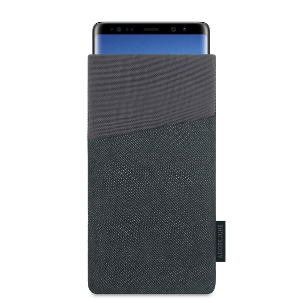 The picture shows the front of Clive Sleeve for Samsung Galaxy Note 8 in color Black / Grey; As an illustration, it also shows what the compatible device looks like in this bag