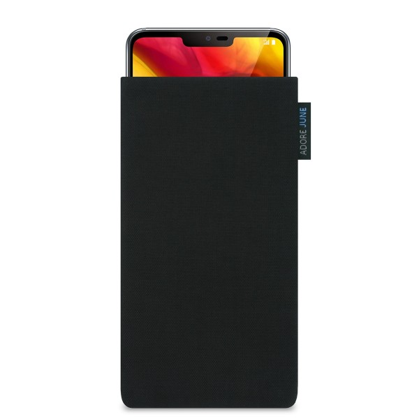 Das Bild zeigt die Vorderseite von Classic Tasche für LG G7 ThinQ und LG G7 One in Farbe Schwarz; Zur Veranschaulichung wird ebenfalls dargestellt, wie das kompatible Gerät in dieser Tasche aussieht